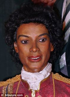 Worst waxworks museum -Louis Tussauds House of Wax, Great Yarmouth, Norfolk, UK- faces closure (pict. Michael Jackson!)