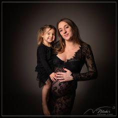Shooting grossesse mère fille dans le val de marne pour de beaux souvenirs en famille avant l'arrivée de bébé Studio, Dresses, Fashion, Baby Arrival, Pregnancy, Photography, Vestidos, Moda, Fashion Styles