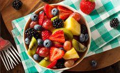 29 receitas de salada de fruta para um lanche saudável e refrescante