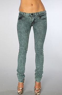 The Vivienne Jean in Mineral Caribbean from Matix... A cute, greyish blue, these pants are worth $63, but are being offered up to you for $24.99!!! Don't miss out on these cute pair of jeans!!! http://www.plndr.com/plndr/MembersOnly/Login.aspx?r=1738866 Use Repcode: Ace2CWB & get 10% off every purchase. #PLNDR