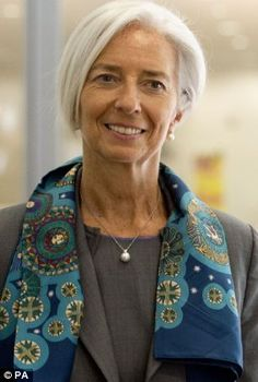 IMF chief Christine Lagarde yesterday admitted the Fund had been wrong to criticise George. Stylish Older Women, Older Women Fashion, Christine Lagarde Style, Divas, Tousled Hair, French Fashion Designers, Advanced Style, Mode Outfits, Powerful Women