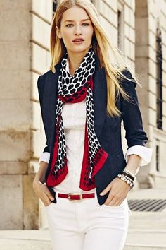 Moda Casual Chic Dresses Belts Ideas For 2019 Cute Blazer Outfits, Outfit Chic, Chic Outfits, Fashion Outfits, Womens Fashion, Blue Blazer Outfit, Navy Outfits, White Pants Outfit, Navy Blue Blazer