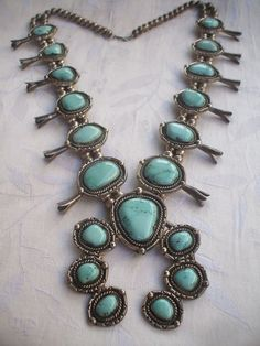 Vintage Navajo CARICO LAKE TURQUOISE Squash Blossom Necklace STERLING 412g #AUTHENTICVINTAGENATIVEAMERICANJEWELRY
