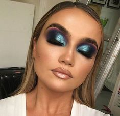 The goddess herself painted my face 😍 such a beautiful girl inside & out & i am thrilled for her palette to finally be on… Eye Makeup Art, Sexy Makeup, Kiss Makeup, Flawless Makeup, Glam Makeup, Makeup Geek, Makeup Addict, Beauty Makeup, Hair Makeup