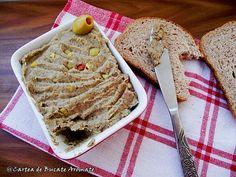 O reteta simpla, hranitoare si foarte gustoasa. Maslinele verzi dau un gust minunat pateului de linte. Romanian Food, Hummus Recipe, Vegan Recipes, Vegan Food, Banana Bread, Food To Make, Cooking, Desserts, Projects