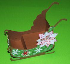 Nikolaus-Schlitten oder Weihnachtsmann-Schlitten ohne Rentiere - creadoo.com