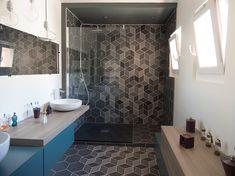 Tiles, Architecture, Bathtub, Bathroom Ideas, Modern, Kitchen Ideas, Bathrooms, Instagram, Design