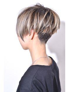 Hair Cutting Style how to cut your own hair japanese style Short Hair With Layers, Short Hair Cuts, Short Hair Styles, Over 60 Hairstyles, Mom Hairstyles, New Hair Do, Great Hair, Corte Pixie, Mod Hair