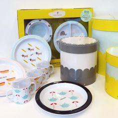 Nyhet på R.O.O.M. Fina produkter för barn från Lilys Island. Mugg & tallrik i melaminplast som är fria från BPA och PVC. Mugg 99kr, tallrik 99kr, mugg- och tallriksset 349kr/3-delar. Box med lock från 99kr. Du hittar Lilys Island på R.O.O.M. i Täby C. #roombutiken