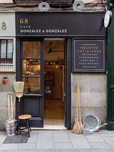 Lila and Cloe Deco Design, Cafe Design, Store Design, Cafe Restaurant, Restaurant Design, French Coffee Shop, Coffee Restaurants, Chicago Restaurants, Shop Facade