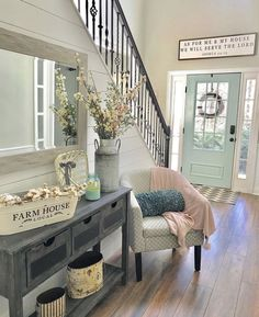 50 Modern inviting entryway ideas for home decor design - Cozy Living Fresh Farmhouse, Farmhouse Homes, Farmhouse Decor, Country Homes, Antique Farmhouse, Rustic Decor, Modern Farmhouse Interiors, Farmhouse Remodel, Farmhouse Furniture