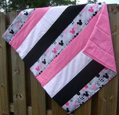 Minnie Mouse Quilt (strips)