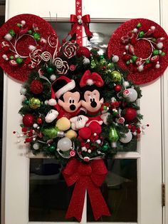 Diy christmas tree 322288917085447335 - Ideas diy decorations disney christmas ornament Source by Disney Christmas Crafts, Mickey Mouse Christmas Tree, Mickey Mouse Crafts, Disney Christmas Decorations, Christmas Tree Themes, Christmas Tree Ornaments, Christmas Wreaths, Mickey Mouse Wreath, Disney Crafts