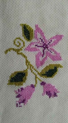 1 million+ Stunning Free Images to Use Anywhere Small Cross Stitch, Cross Stitch Flowers, Cross Stitch Designs, Cross Stitch Patterns, Free To Use Images, Bargello, Filet Crochet, Baby Knitting Patterns, Cross Stitch Embroidery