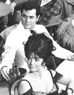 """Natalie Wood"""" with Tony Curtis, on the set of The Great Race . Golden Age Of Hollywood, Vintage Hollywood, Hollywood Stars, Classic Hollywood, Hollywood Life, Hollywood Celebrities, Hollywood Actresses, Actors & Actresses, Natalie Wood"""