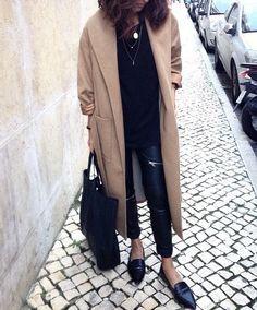 débora rosa | Mango Belted Camel Coat + Zara Faux Leather Biker Trousers with Zips + Mango Crocs Pointy Loafers + Celine Shopper Bag