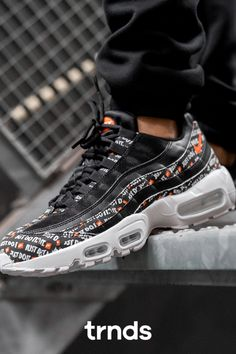 Nike Air Max 95 SE Black/White-Total Orange for men. The Nike Air Max 95 made its mark as the first shoe to include visible Nike Air cushioning in the forefoot. The Nike Air Max 95 SE Men's Shoe energises the iconic design with updated materials in a variety of textures and accents. #nike #afflink #airmax95 #mensneakers #menshoes #orange #orangeshoes Nike Air Force, Nike Air Max, Air Max Sneakers, Sneakers Nike, Orange Shoes, Air Max 95, Vans Old Skool, Air Jordans, Fashion Shoes