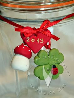 Silvester: Glücksbringer selbermachen - Inspiration - DIY - Tischdeko Ideen