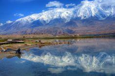 un-paesaggio-mozzafiato-sui-monti-tian-shan
