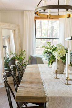 Rustic Dining Room inspiration - Home Decor Styles Dining Room Curtains, Dining Rooms, Farmhouse Dining Room Table, Dining Table, Wood Table, Dining Room Inspiration, Küchen Design, Design Ideas, Interior Design
