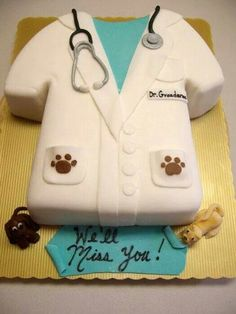 I would love this cake made for me when I graduate from vet school. Only it needs to say Congratulations! Mini Tortillas, Vet Cake, Torta Angel, Veterinary Medicine, Veterinary Surgeon, Veterinary Technician, School Cake, Vet Med, Sweet Lady