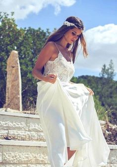 BoHo V-Neck V Back Spaghetti Strap Backless A-Line Chiffon Lace Wedding Dress Beach Island Style Bridal Gown