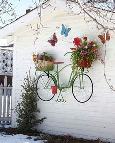 Outdoor wall garden decoration: Here are 15 ideas that will inspire you . Déco mur extérieur jardin: Voici 15 idées qui sauront vous inspirer… Outdoor wall garden decoration: Here are 15 ideas that will inspire you … Recycled Garden, Diy Garden, Garden Crafts, Garden Projects, Diy Projects, Yard Art Crafts, Recycled Planters, Garden Kids, Yoga Garden