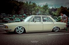 Johnny Despagne's Audi 100 on Air. | Sourkrauts