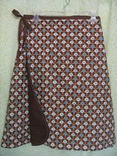 wrap skirt pattern and tutorial (follow link to Home Grown for more complete tutorial. Elizabeth describes her modifications. With sufficient overlap, this type skirt really helps if you have changing waistline.