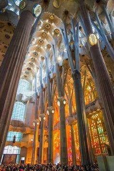 Architecture - Gaudi's La Sagrada Familia in Barcelona. Taking away the breath of everyone inside [2000x1336][OC]