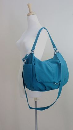 Eyeing messenger bags for school/work. Loving a variety of teal ones.