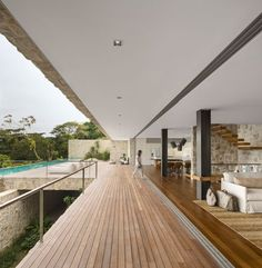 case vile , Wonderful living area offers seamlessl indoor outdoor connectivity 600x613