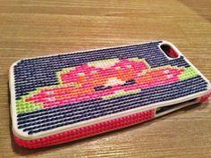 #borduur #telefoonhoesje #borduren #telefoonhoesje #borduurbaar #telefoonhoes #cross #stitch #phone #case