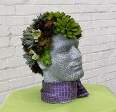 DIY Tutorial: Succulent Display on Male Mannequin Head – Mannequin Madness Diy Garden Projects, Cool Diy Projects, Faux Succulents, Succulents Garden, Dress Form Christmas Tree, Succulent Display, Face Planters, Keramik Design, Quirky Decor