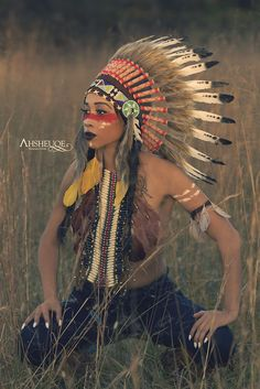 Headdress in stock. Shop it online at http://indianheaddress.com/ Check out our article ´The Meaning Of Feathers´ – Indian Headdress - Novum Crafts