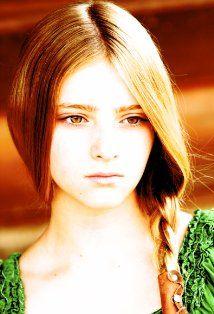 Willow Shields- AKA Primrose Everdeen