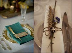 décoration de table originale - des épis de blé, des marque-places et des fleurs dans les assiettes