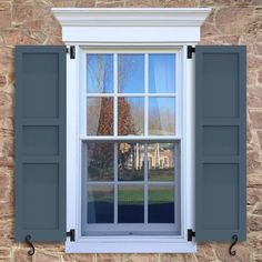 Flat Panel Shutters with No Trim, featuring a 40/20/40 configuration. Maintenance-free Supremity blend