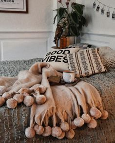 Bohemian Bedroom Decor Ideas - Figure out how to master bohemian space decoration with these bohemia-style spaces, from eclectic bedrooms to unwinded living rooms. My New Room, My Room, Dorm Room, Hygge, Bohemian Bedroom Decor, Boho Decor, Room Goals, Retro Home Decor, Dream Rooms