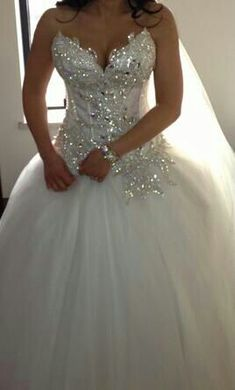 Super pretty wedding dress