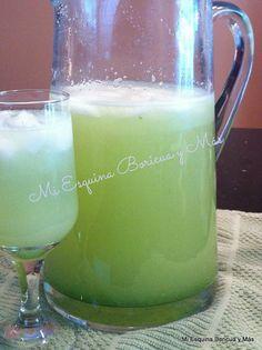Agua o batido de manzana verde con limón