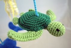 Die kleine Schildkröte möchte bitte gern von Dir gehäkelt werden. Tu ihr doch den Gefallen + leg gleich los mit der PDF-Anleitung. Viel Spaß beim Häkeln.