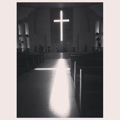 #church#cross#sunray#pray#jesuschrist#god#philippines #教会#キリスト#礼拝 #朝日 が差し込む#十字架#フィリピン
