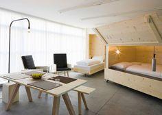 Harry Thaler Studio diseñó para el Museo de Arte Moderno y Contemporáneo, Museion, en Bolzano, Italia, un proyecto que consistió en crear un espacio que supliera las necesidades como estudio de trabajo y vivienda para los artistas y curadores que estén de visita por la ciudad.