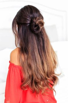 To give you some easy hairstyles inspiration, we have found 60 easy and quick hairstyles. Include easy hairstyles for medium hair, long hair and short hair. Whether you to school or to work these easy hairstyles are sure to draw compliments. Lazy Girl Hairstyles, Half Updo Hairstyles, Evening Hairstyles, Haircuts For Long Hair, Tail Hairstyle, Braided Hairstyle, Simple Hairstyles, Beautiful Hairstyles, Winter Hairstyles
