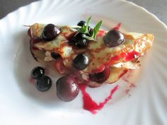FORNELLI IN FIAMME: SWEET CREPE WITH CHERRIES IN SYRUP, BLUEBERRIES,AND RICOTTA CHEESE.- Crepe dolce con ciliegie sciroppate, mirtillie e ricotta