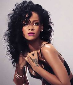 Rihanna Layered Loose Kinky Curly Messy Long Synthetic Hair With Casual Bangs Capless Cap Women Wigs 18 Inches - October 05 2019 at Estilo Rihanna, Rihanna Riri, Rihanna Style, Rihanna Hairstyles, Wig Hairstyles, Rihanna Curly Hair, Afro Hair, Trendy Hairstyles, Looks Rihanna