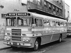 Ônibus Elizário - Mercedes Benz As Carrocerias Elizário, de Porto Alegre, produziu este ônibus, em 1965, para viagens rodoviárias. Pertencia a empresa Brasília Imperial, realizando viagens entre Brasília e o Rio de Janeiro. A Elizário foi comprada pela Marcopolo em 1970