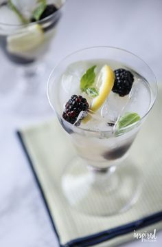 The flavors of fresh basil, ripe blackberries, and refreshing lemon blend together beautifully in this Blackberry Basil Sangria recipe. Best Cocktail Recipes, Sangria Recipes, Drink Recipes, Cocktail Food, Yummy Recipes, Homemade Margarita Mix, Thanksgiving Sangria, Happy Drink, Summer Cocktails