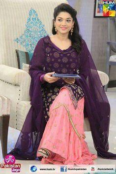 Pretty colors for Sanam Jung Pakistani Fancy Dresses, Pakistani Bridal, Pakistani Outfits, Indian Outfits, Pakistan Fashion, India Fashion, Kurti Embroidery Design, Party Kleidung, Indian Designer Wear